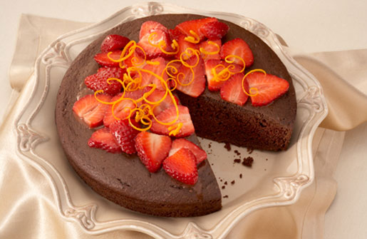 Super Chocolate Strawberry Cake