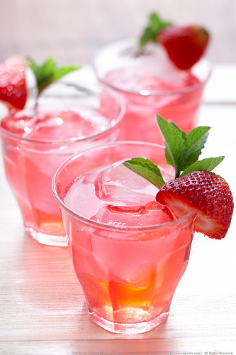 ... with strawberries to kick off spring - Rhubarb Strawberry Ice-tea
