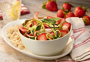 strawberry-zucchini-noodle-bowl